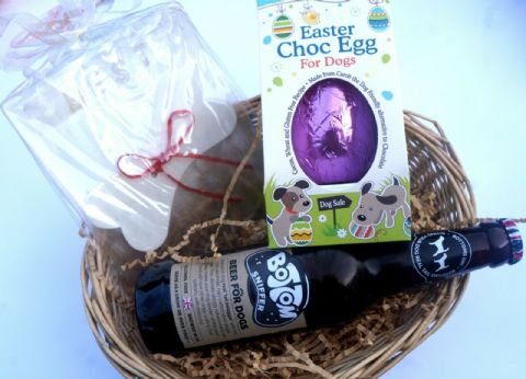 DOG EASTER GIFT BASKET WITH EASTER EGG EDIBLE CARD & DOG BEER GIFT WRAPPED